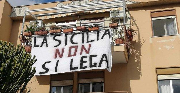 Salvini tierras en Palermo. Y de vuelta a la protesta de las hojas