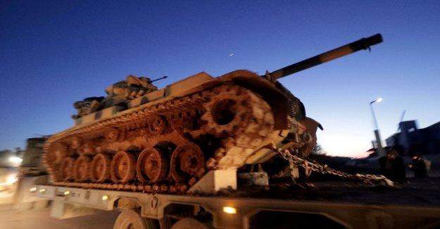 Siria, Turquía aumenta las tropas: Listo para luchar. Más de la mitad de un millón de huir