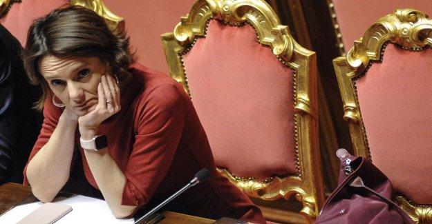 Coronavirus, el ministro de la Familia Bonetti después de la clausura de las escuelas: Educado bono de niñera y dejar a los padres