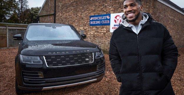 El Range Rover, y Anthony Josué, los dos pesos pesados juntos