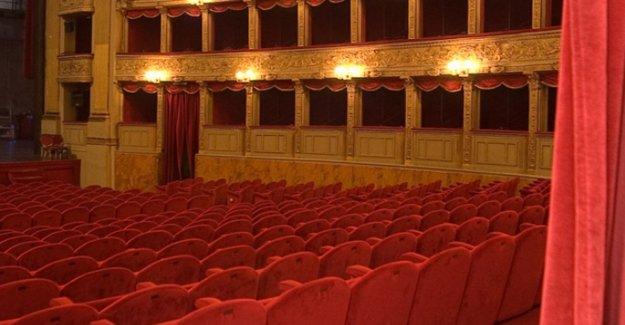 El Teatro Roma, levanta el telón virtual el Día mundial de la Poesía