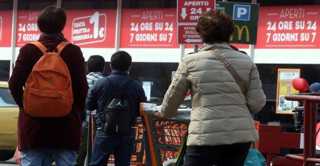 El horario de apertura de las tiendas, las Regiones están divididas. Veneto decide cerrar en días festivos, en la Lombardía, los críticos: un Estrecho propagar el pánico