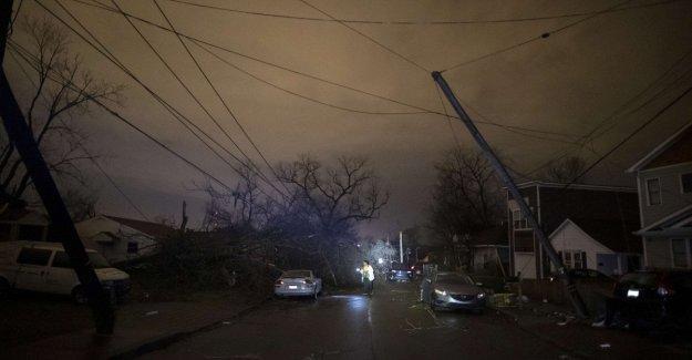Estados unidos, tornado golpea Nashville: 19 víctimas. La autoridad: el Presupuesto es sólo temporal