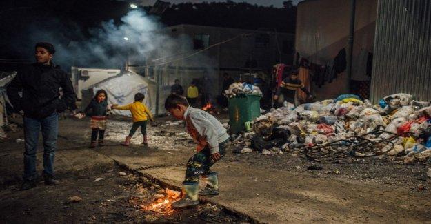 Los refugiados, cuatro años después de que el acuerdo entre la UE y Turquía, de 40 mil personas en Grecia son víctimas de sofferene inimaginable