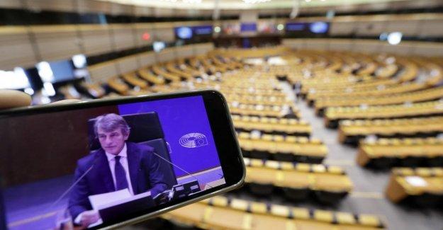Parlamento europeo registro de asistencia de la sesión en el enlace del video. El M5S y el Ep: La Liga de bloques del procedimiento de urgencia