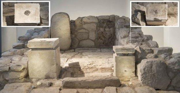 Antigua cannabis y el incienso descubierto Bíblica de la época santuario en Israel