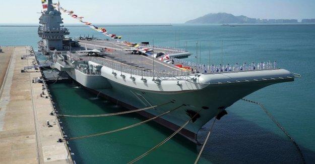 China construido en casa de los portaaviones de la realización de las pruebas de mar