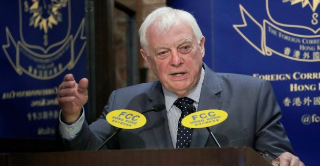 El último gobernador Británico dice que Hong Kong 'traicionado' por China