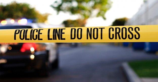 Hombre de New York, de 32 años, acusado en la muerte a puñaladas del padre durante el Zoom de la llamada, la policía dice que