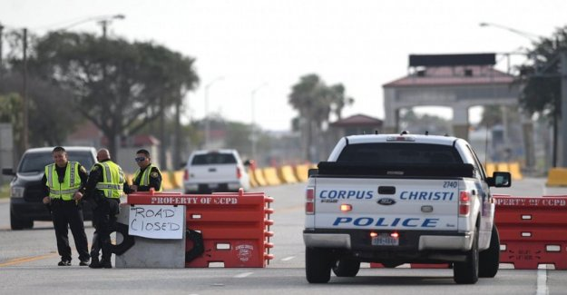La Estación Aérea Naval de Corpus Christi de disparo relacionados con el terrorismo, persona de interés puede ser-a-la-grande