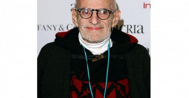 Larry Kramer, dramaturgo y activista contra el SIDA, muere a los 84 años