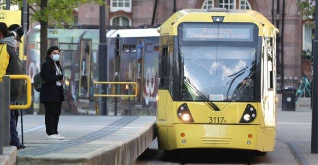 Las promesas del gobierno de £283m para los autobuses y tranvías