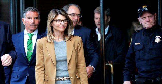 Lori Loughlin, Mossimo Giannulli de acuerdo para declararse culpable en la admisión de la universidad estafa caso