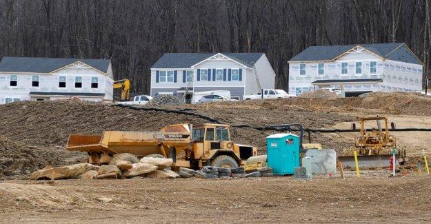 Los constructores subir incluso como vivienda outlook sigue siendo nublado