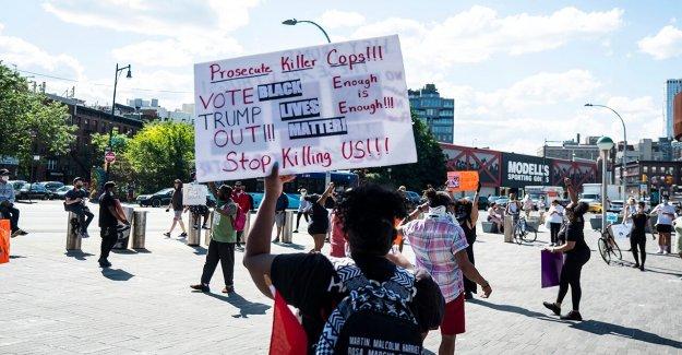 Los manifestantes en Brooklyn defender almacén de Destino de los saqueos, disturbios