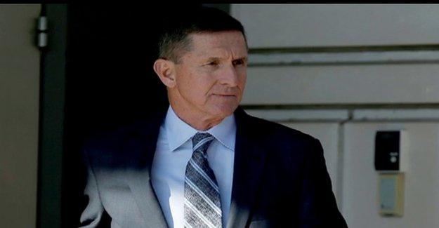 Los senadores del partido REPUBLICANO slam Dem colega para burlarse de Trump-nombrado juez involucrado en Flynn caso
