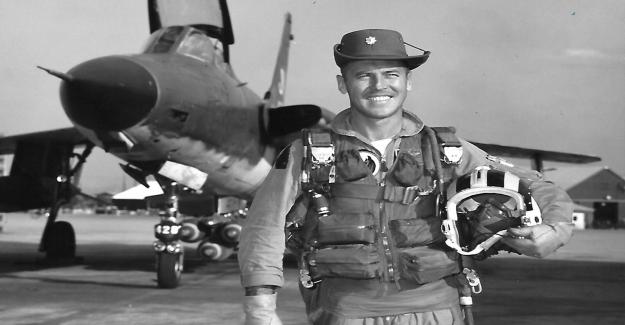 Piloto de la Fuerza aérea de los que murieron en Vietnam honrado por Texas estudiante de secundaria con una impresionante video homenaje