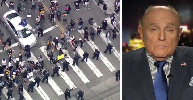 Rudy Giuliani llamadas por el alcalde de Minneapolis a dimitir, culpa a los 'Demócratas progresistas' de 'la violencia' en la raíz de la muerte de Floyd