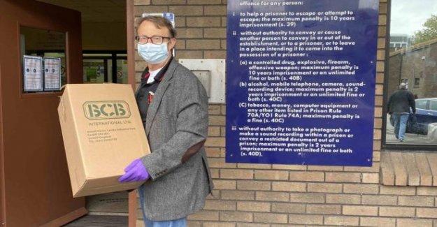 Sanitiser del fabricante de enlaces a Victoriano tos cura