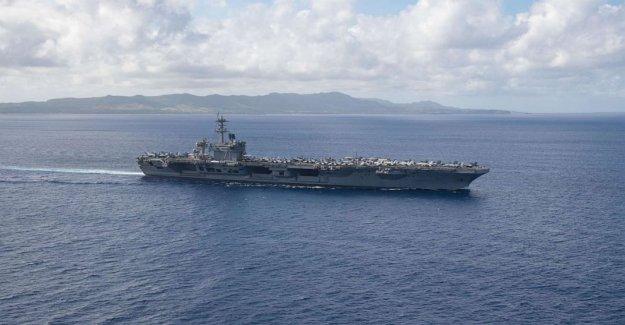 USS Theodore Roosevelt, el capitán de seguros de barco puede lidiar con las nuevas COVID-19 casos