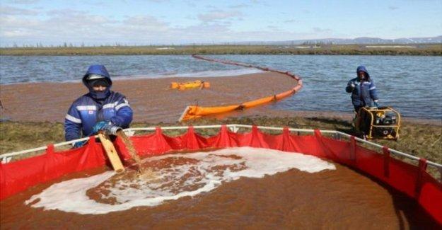Ártico ruso derrame de petróleo contamina el lago grande