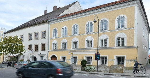 Austria aprueba el plan de convertir a Hitler lugar de nacimiento en una estación de policía
