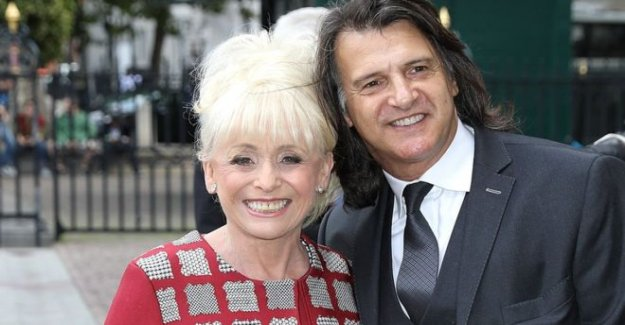 Barbara Windsor 'puede tener que moverse en el cuidado de la casa'