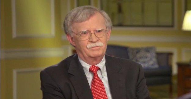Bolton ráfagas de Triunfo para negar que él fue informado en Rusia ofreciendo recompensas a los Talibanes para matar a las tropas de EEUU