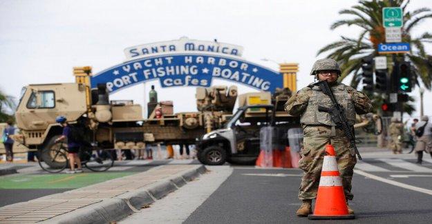 California licor dueño de la tienda utiliza AR-15 para proteger su propiedad de los saqueadores en George Floyd disturbios