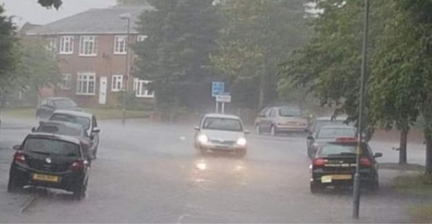 Calles inundadas y los trenes con retraso inundaciones