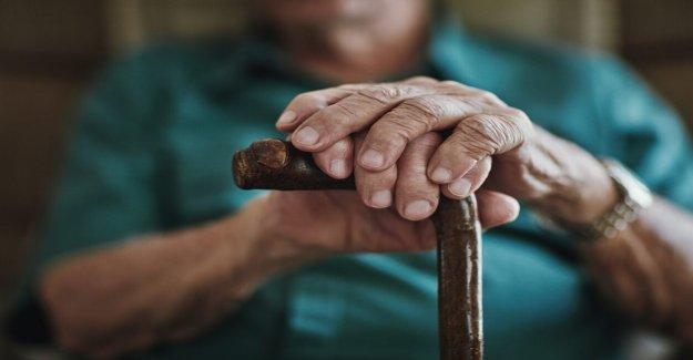 Casi la mitad de todos los coronavirus muertes en estados unidos ocurrió en el interior de los hogares de ancianos: informe