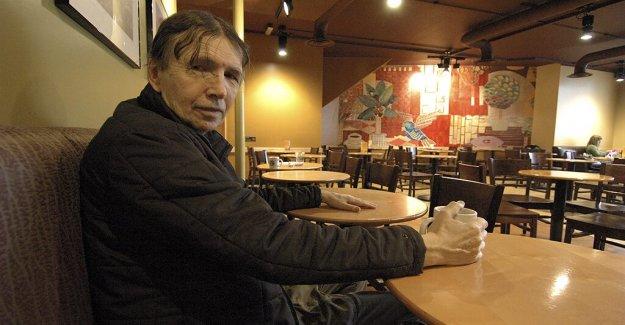 Charles Webb, autor de la novela que se convirtió en base de la oscarizada película 'El Graduado' muerto a los 81: informe