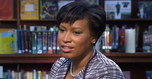 DC alcalde defiende protestas; explosiones de Triunfo a pasar a llamar a las tropas de EE.UU.