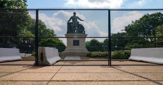 DC manifestantes condenar a la Emancipación del Memorial de Lincoln Park
