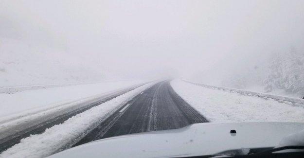 De junio de tormenta de nieve trae más de un pie de nieve en Colorado, Wyoming como carreteras cerca de