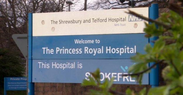 De la policía para investigar bebé muertes NHS trust
