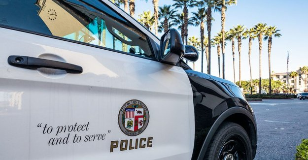 De policía de Los Ángeles investiga abogado que supuestamente pidió a los policías para ser elegido off'