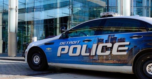 Detroit agentes de la policía captado en video arar a través de un grupo de manifestantes se cree que podría ser disparado en': jefe