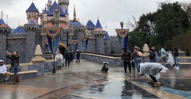 Disney retrasos en el Sur de California parque temático reaperturas