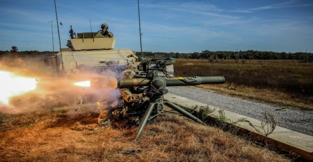 Ejército AI-habilitado robots de mayo de armas de fuego en la guerra para defenderse de los ataques