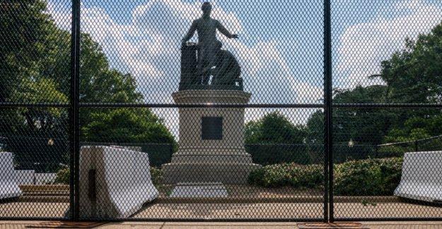 El DHS se despliega federal especial de la unidad para proteger los monumentos más del 4 de julio fin de semana en medio de vandalismo miedos