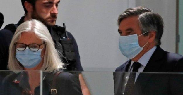 El francés ex-PM Fillon culpable en 'falsos empleos escándalo