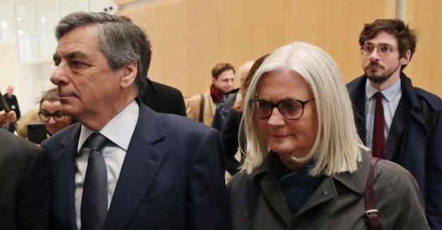 El francés ex-primer ministro Fillon, esposa encontrado culpable de fraude