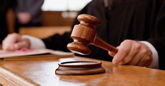 El juez Federal de barras de HIELO de hacer NY corte detenciones