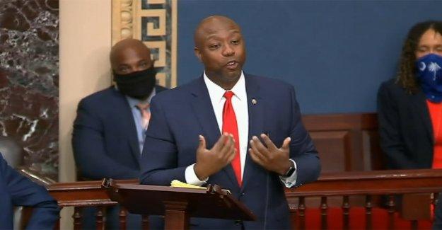 El senador Tim Scott rasgaduras en los Demócratas después del partido REPUBLICANO de reforma de la policía esfuerzo de falla en el Senado