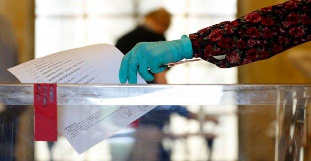 Encuesta de salida: polaco voto presidencial encabezada por la escorrentía