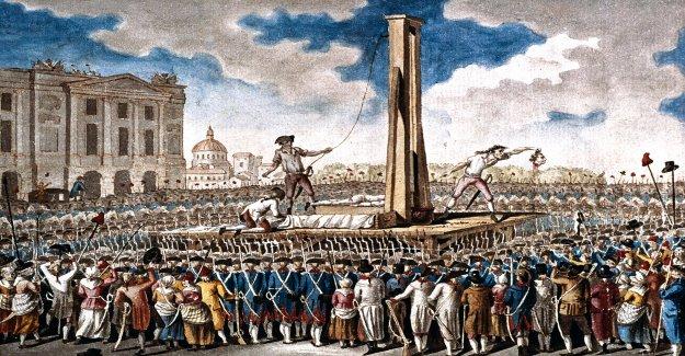 Espantosas de los restos de guillotina víctimas podrían haber sido descubierto en las paredes de una capilla de París