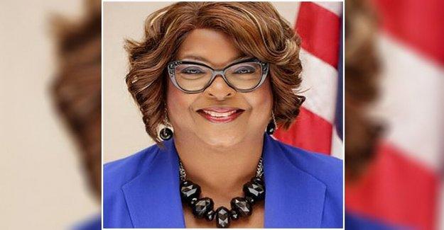 Ferguson elige a Ella Jones, como el primer alcalde negro