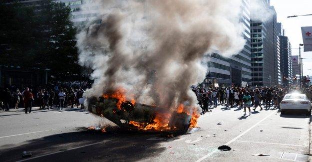 Filadelfia NOS abogado slams local DA como 'no a todos los interesados' en poner a los manifestantes, los saqueadores en la cárcel