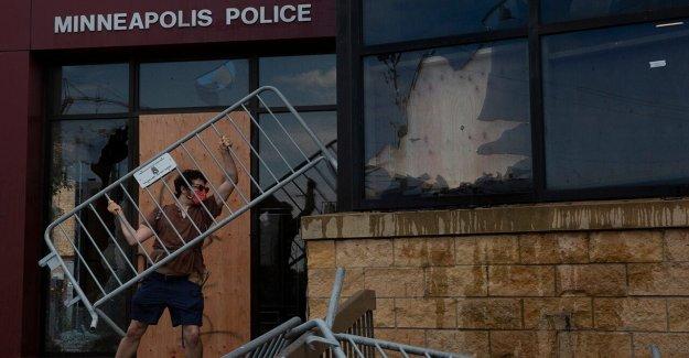 George Floyd muerte: Minnesota archivos de derechos humanos denuncia contra la policía de Minneapolis